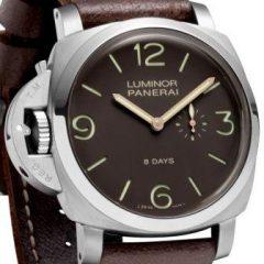 Imagem da notícia: Relógios para esquerdinos com novos modelos