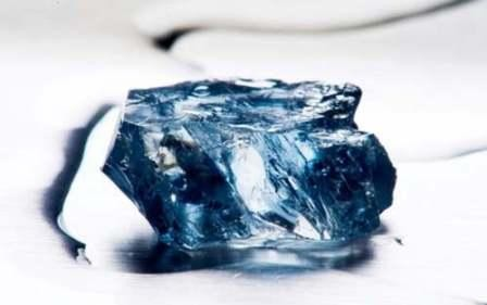 Imagem da notícia: Diamante azul descoberto em África