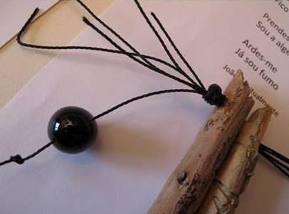 Imagem da notícia: Joias unem-se a poemas