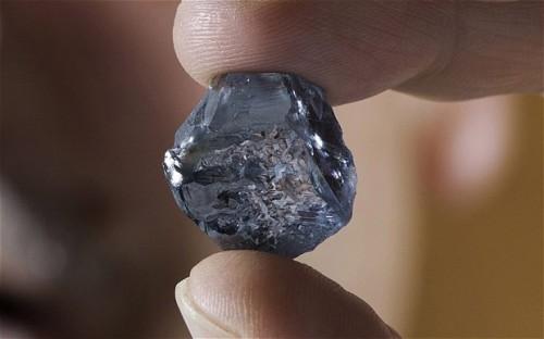 Imagem da notícia: Raro diamante azul encontrado