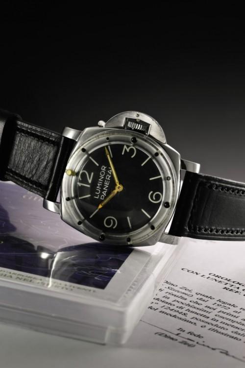 Imagem da notícia: Relógio histórico vendido em Genebra