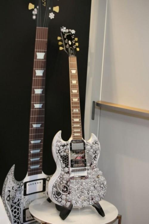 Imagem da notícia: Uma guitarra elétrica de luxo
