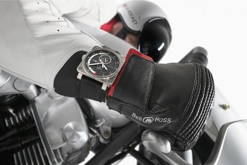 Imagem da notícia: Relógios unidos ao motociclismo