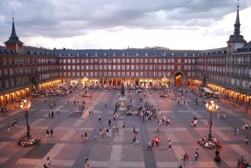 Imagem da notícia: Madrid é centro de luxo ibérico em setembro