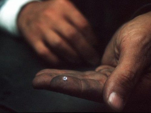 Imagem da notícia: Descoberto novo tipo de diamante