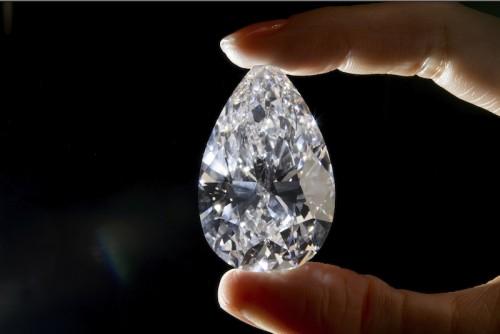 Imagem da notícia: Angola lucra com venda de diamantes