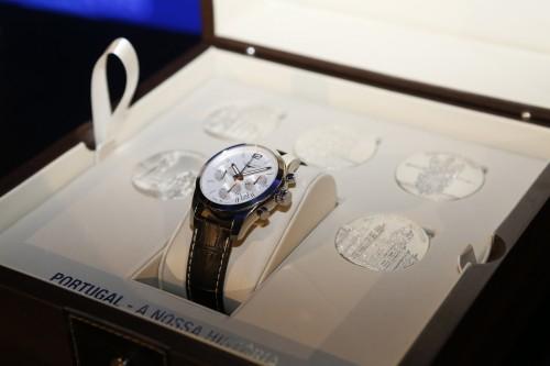 Imagem da notícia: Longines homenageia Portugal com relógio de luxo