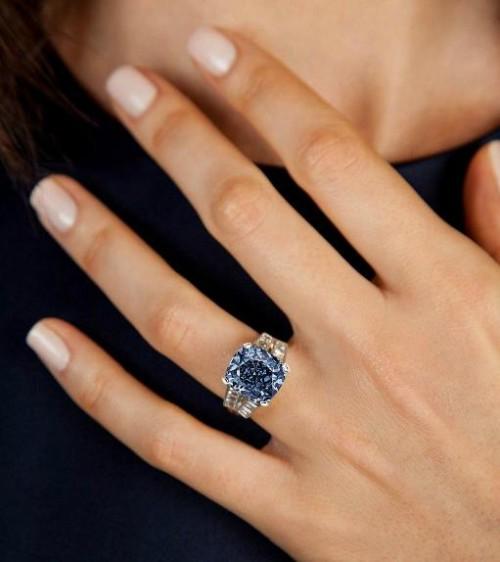 Imagem da notícia: Diamante de Shirley Temple vai a leilão