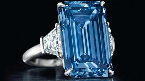 Imagem da notícia: Diamante raro vai a leilão