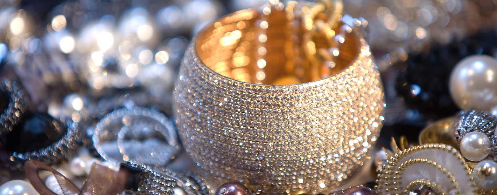 Imagem da notícia: Exportar joias sem burocracias?
