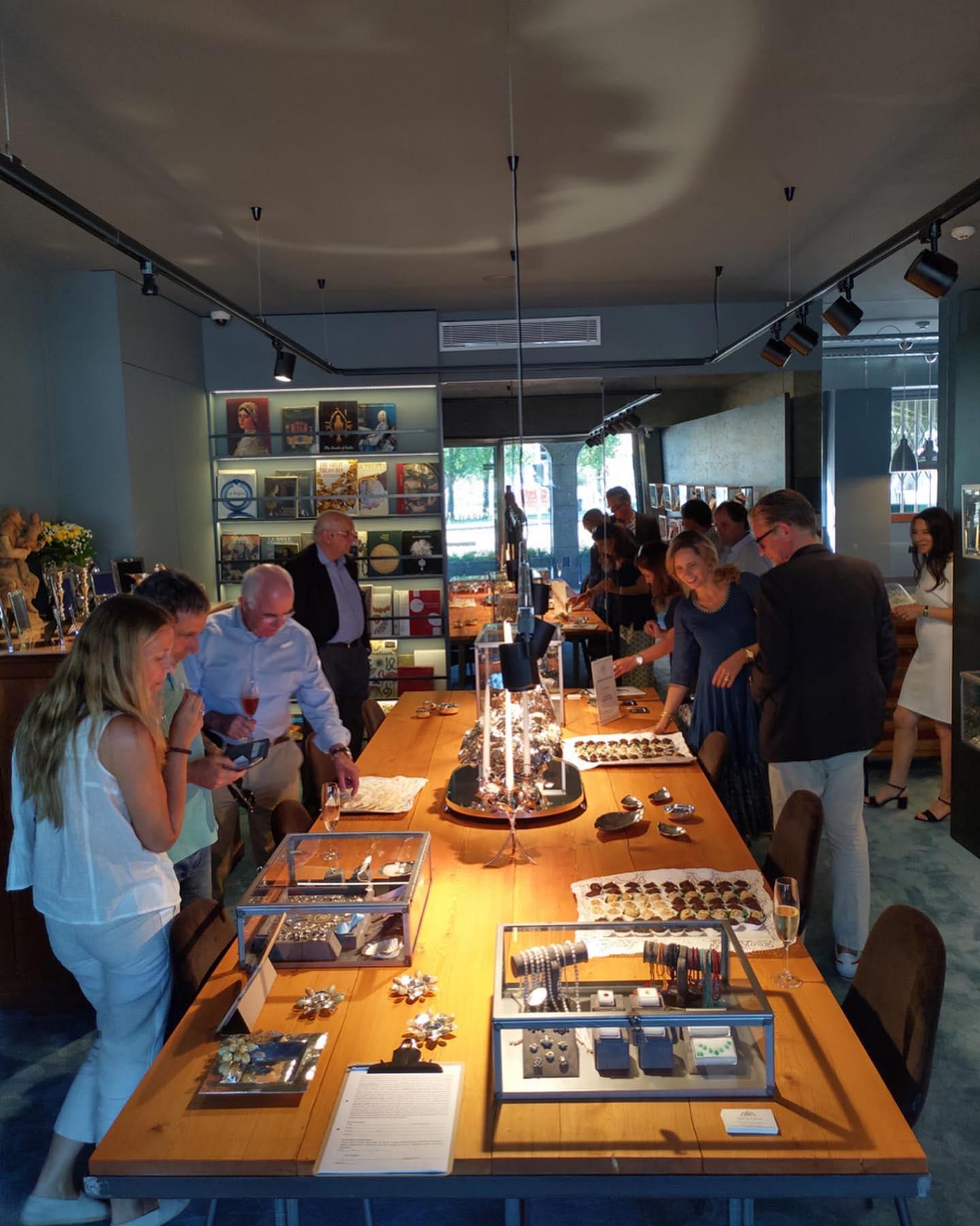 Imagem da notícia: Joalharia Miguel Vaz d' Almada reabre loja no Porto