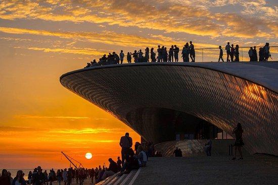 Imagem da notícia: Portuguese Jewellery X MAAT desvendada em sunset party