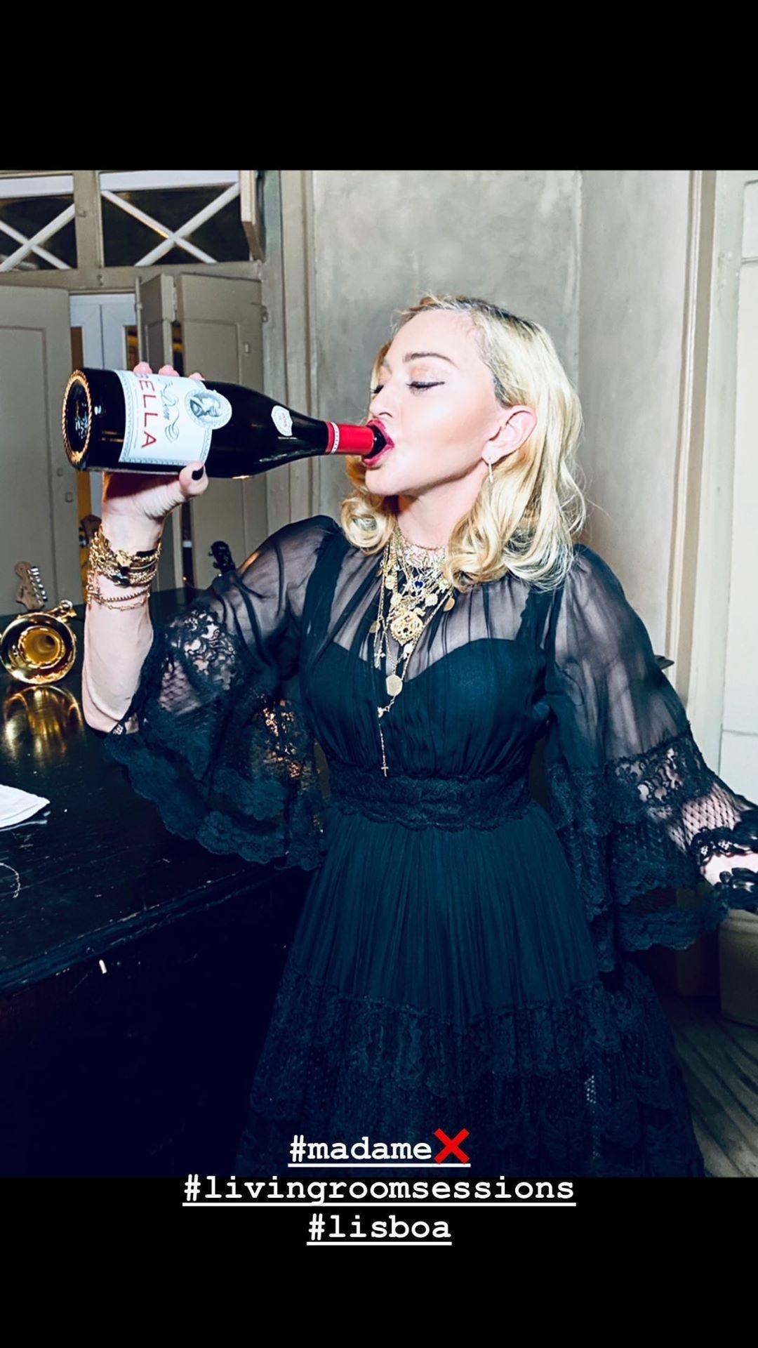 Imagem da notícia: Madonna com colar Ana Moura X Portugal Jewels
