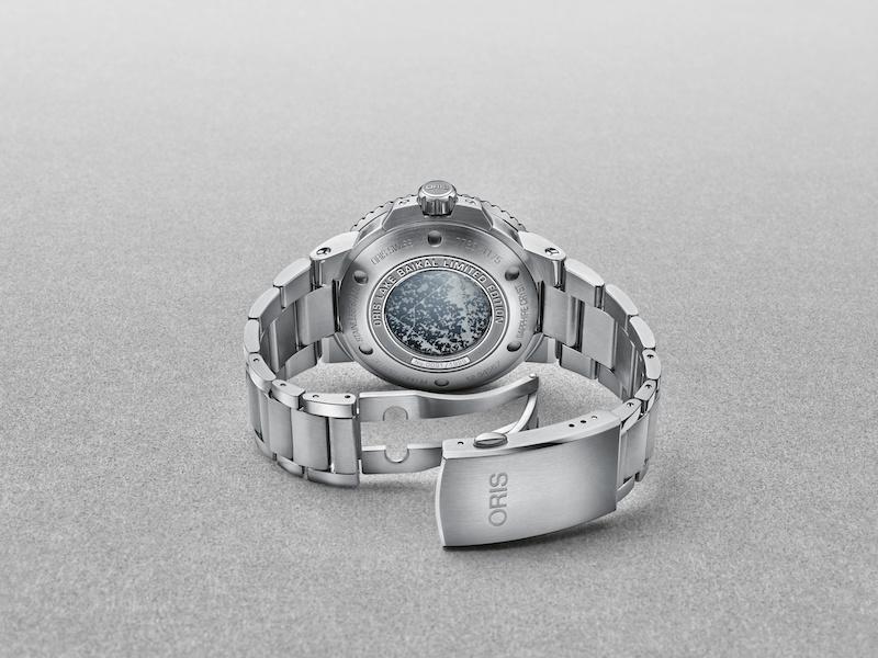 Imagem da notícia: Oris lança relógio inspirado no Lago Baikal da Sibéria