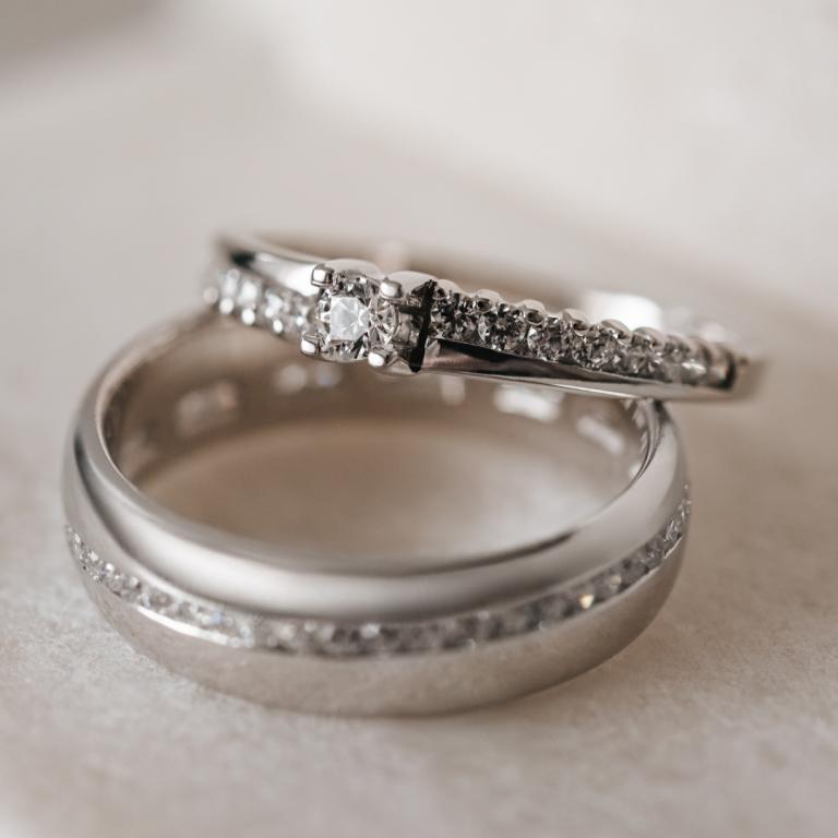 Imagem da notícia: Romantis cria anel de noivado para Dia de São Valentim