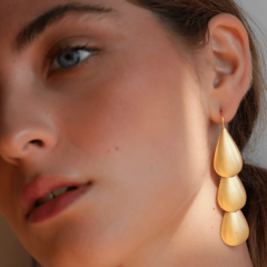 Imagem da notícia: Maria Avillez apresenta joias primaveris para celebrar um novo ciclo