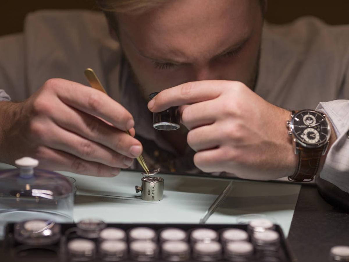 Imagem da notícia: Exportação de relógios suíços crescem em março