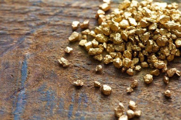 Imagem da notícia: Curso de avaliador de artigos com metais preciosos e de materiais gemológicos inicia a 5 de julho