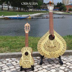 Imagem da notícia: Crisálida Joalharia has a collection of filigree musical instruments