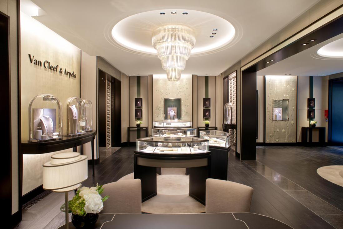 Imagem da notícia: Van Cleef & Arpels abre a sua primeira boutique em Lisboa